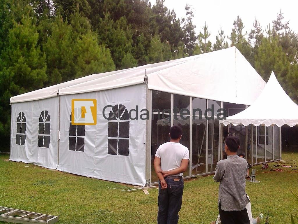 kami menyewakan tenda roder dengan dinding kaca