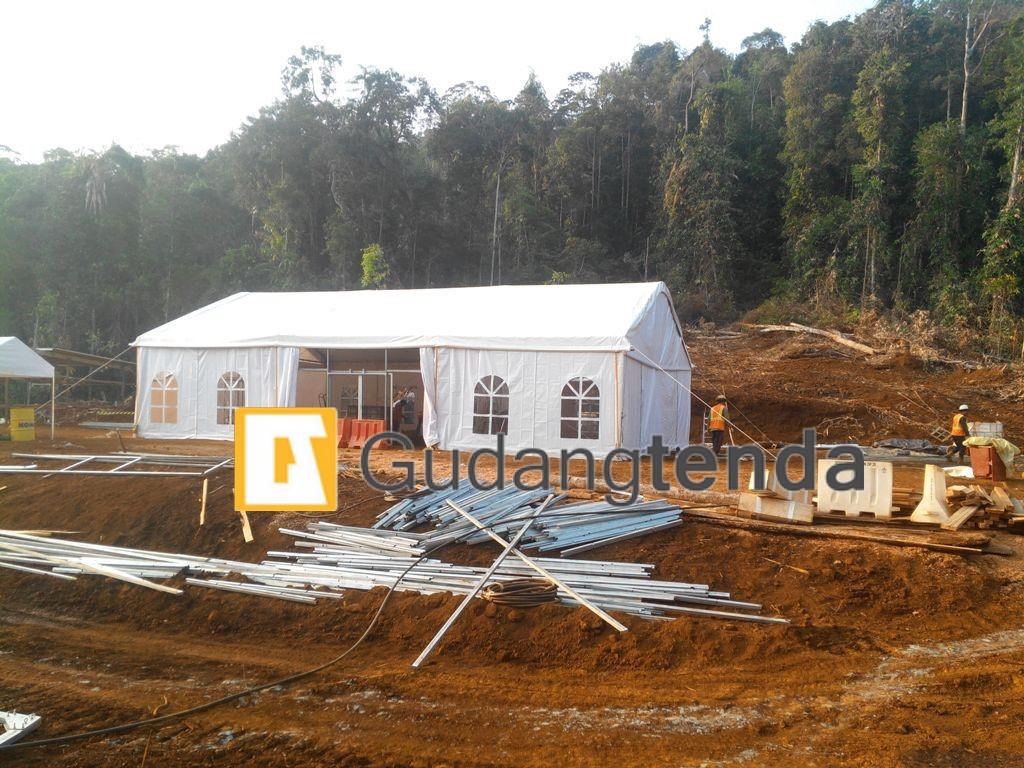 tenda dengan spesifikasi standar pergudangan tambang